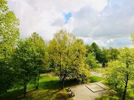 3. Obergeschoss mit Ausblick in den Park