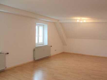 Gepflegte 2,5 Zimmer DG Wohnung in Murg-Hänner, ca. 7 Minuten zur Schweiz