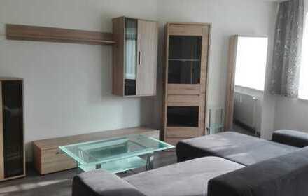 Gemütliche 1,5 Zimmer Wohnung im 1. OG: Vollmöbliert mit Balkon, Aufzug und Stellplatz