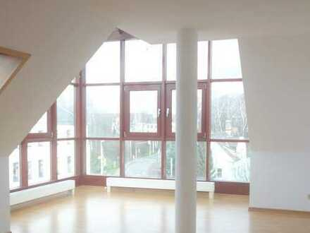 Außergewöhnliche Whg., großer Glaserker/-kuppel, Fernblick, 2 TG-Stellpl., Aufzug, Marienthal
