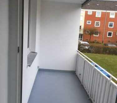 ** 3 - Zimmerwohnung im Erdgeschoss mit Balkon ! Frisch saniert ! **