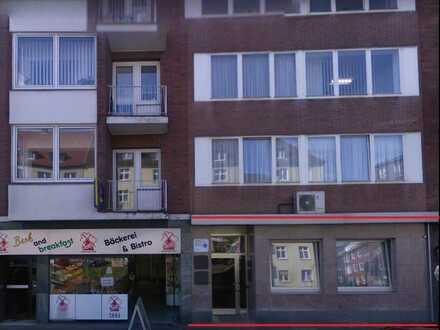 Wohn- und Geschäftshaus mit hochwertig eingerichteter Zahnarztpraxis und Laboren in Duisburg Zentrum
