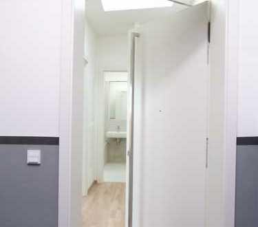 Erstbezug! 2 Zimmer Dachgeschosswohnung mit Wohnküche! An Helligkeit kaum zu überbieten!