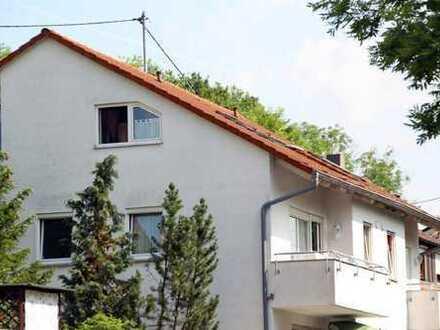 Helle 3,5-Zimmer-Wohnung im Dachgeschoß eines 5-Familienhauses