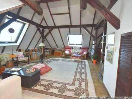 Individuelle, großzügige Maisonette-ETW mit Dachterrasse