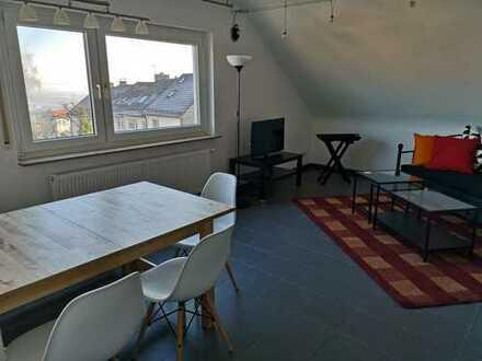 Stilvoll möblierte, modernisierte 2-Zimmer-Dachgeschosswohnung Leinfelden-Echterdingen
