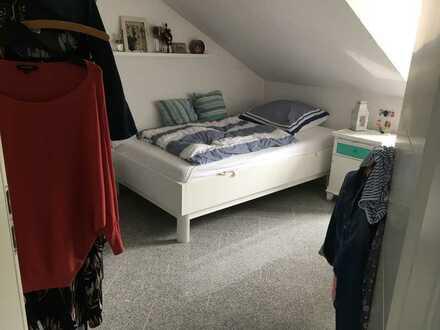 Attraktive 2-Zimmer-Dachgeschosswohnung mit EBK in Simmertal