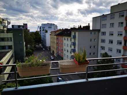 2 Zimmer Wohnung mit Balkon in Ludwigshafener Stadtmitte!
