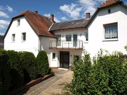 Tolles großes Wohnhaus auf Sonnengrundstück in Lahnau
