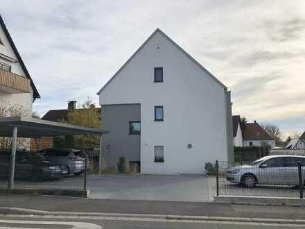 Top ausgestattete 4-Zimmer-Familienwohnung mit Südbalkon, Stellplätzen und Einbauküche