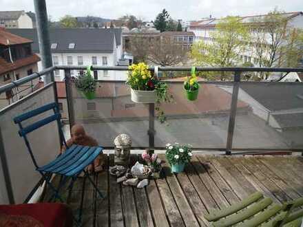 Exklusive, modernisierte 4-Zimmer-Wohnung mit Balkon in Fürth