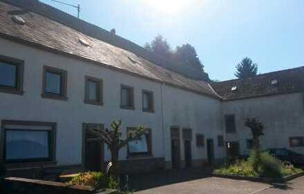 Charmantes Bauernhaus mit viel Potential in Niersbach zu verkaufen.