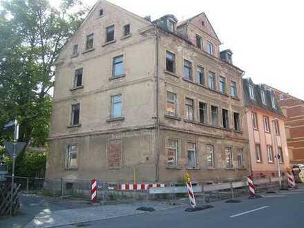 ZWANGSVERSTEIGERUNG - Sanierungsbedürftiges Mehrfamilienhaus in Zwickau-Marienthal