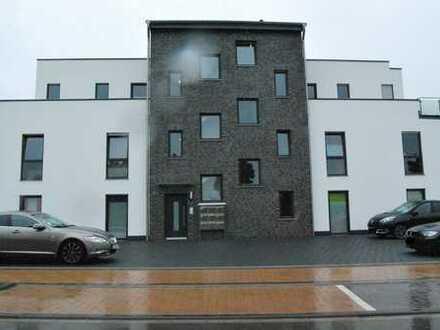 Attraktive 3-Zimmer-Penthousewohnung mit Balkon. Ab 01.03.2020