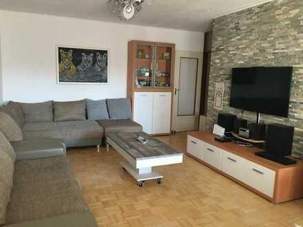 Modernisierte 5-Zimmer-Wohnung mit Balkon und EBK in Freiburg im Breisgau, Umkirch