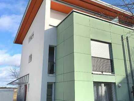 6-Zimmer Doppelhaushälfte in Friedrichshafen Am Meisterhofer Holz
