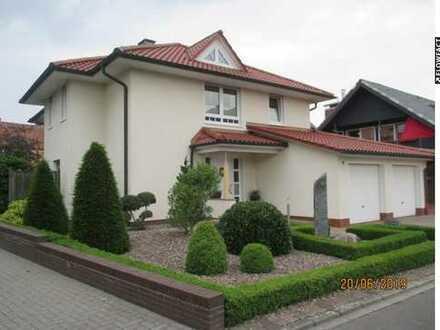 Einzigartige Villa in Cloppenburg!! Zentral & Energieeffizient!!!