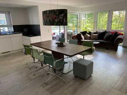 In bester Zentrumslage Mühldorfs: Neuwertige, ruhige und großzügige Wohnung mit Wintergarten