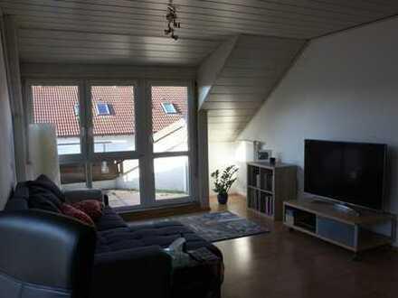 Gemütliche DG-Wohnung im 2. OG mit Balkon in ruhiger Lage