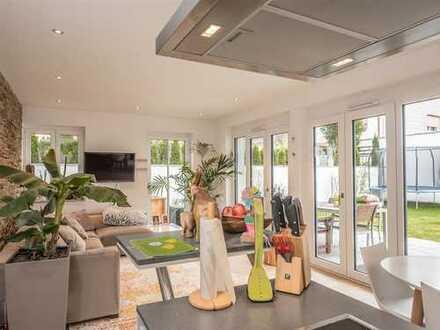 Luxuriöse und stilvolle 4 Zimmer Gartenwohnung in Germering