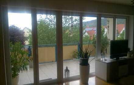 gemütliche komfortable 4 Raum Wohnung mit großem Balkon in ländlicher Idylle