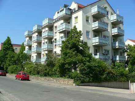 helle 2-Raum-Wohnung mit Balkon und TG-Platz in ruhiger und gepflegter Wohnanlage in Übigau