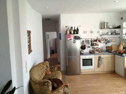 helle gepflegte Wohnung in Kiel-Ravensberg - mit Südbalkon!