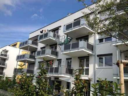 Helle, geräumige zwei Zimmer Wohnung in Leonberg