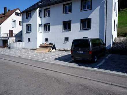 Schöne 3 Zimmer Wohnung im 1.Obergeschoss mit Einbauküche und Keller in Alpirsbach, WM:580€