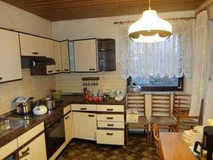 18_HS6416 Großzügiges renovierungsbedürftiges Haus mit Einliegerwohnung / Nähe Donaustauf