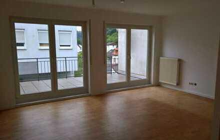 Helle 3 Zimmer Wohnung in Kaiserslautern-Innenstadt mit 2 Balkonen, EBK, TG
