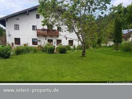 Bauernhaus in Traumlage mit 1.516 qm Grund - malerisch gelegen - Blick auf den Untersberg
