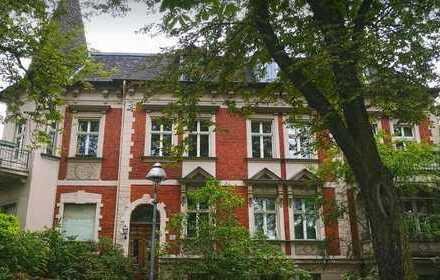 Ein stilvolles Mehrfamilienhaus im Gründerzeitstil in zentraler Lage