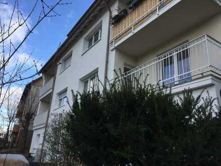 Erstbezug nach Sanierung mit Balkon: stilvolle 3-Zimmer-Wohnung in Stuttgart