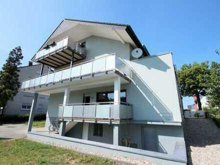 Moderne und hochwertig ausgestattete Wohnung mit großem Balkon (Südlage).