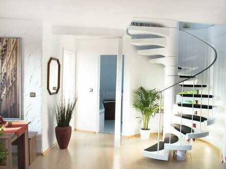Helle, Top - 3,5 Zimmer Maisonette-Wohnung | Dachterrasse | Offener Kamin