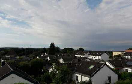 Wohnen auf zwei Ebenen, mit Blick von Ergste über das Ruhrtal, incl offenen Kamin
