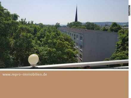 möblierte, gepflegte Wohnung mit Ausblick und Balkon in schöner Wohngegend