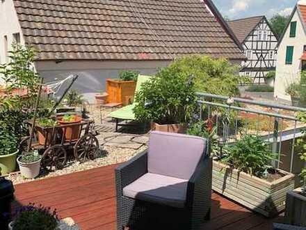 Traumhafte Maisonette-Wohnung mit Dachterrasse und Einbauküche in Trebur