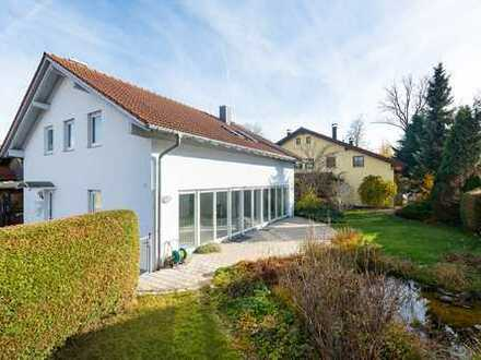 Stilvolle, sehr helle 3-Zimmer-Terrassenwohnung mit großer Terasse und Garten in Grafing-Bahnhof