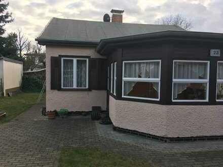 Schönes Einfamilienhaus mit großem Garten in ruhiger Gegend - AB SOFORT!