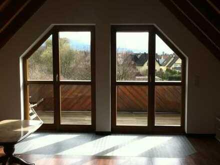 Schöne 3-Zimmer-DG-Wohnung mit großem Balkon und EBK in Bad Rotenfels
