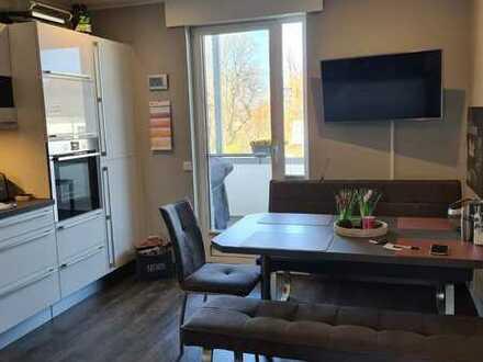 Vollständig renovierte Wohnung mit drei Zimmern und Balkon in Sprockhövel