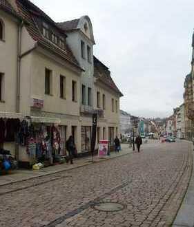 *** Wohn- und Geschäftshaus in Werdau am Markt ***