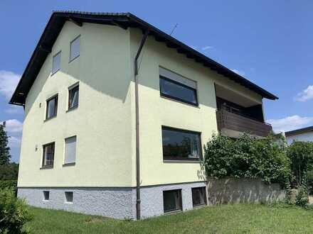 Attraktive Wohnung mit fünf Zimmern und Balkon in Pettstadt