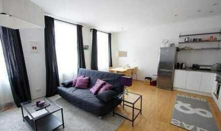 Exklusive, modernisierte Wohnung mit Einbauküche in Koln