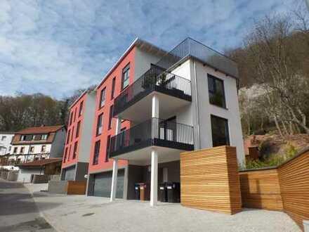 Neubau: Penthousewohnung in attraktiver Hanglage mit Dachterrasse