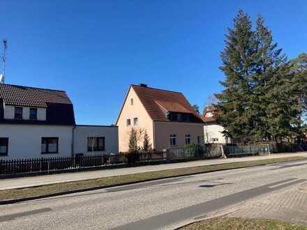 Grundstück mit Haus; Bauvoranfrage für Neubau mit ca. 565 m² ist gestellt
