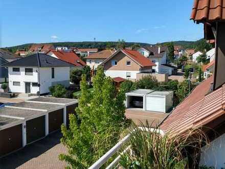 Wohnen wo andere Urlaub machen. Schöne drei Zimmer Wohnung in Weisenheim am Berg