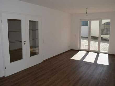 Neuwertiges Stadthaus in zentraler Lage mit 4 Zimmer, Loggia und hochwertiger Badausstattung!!